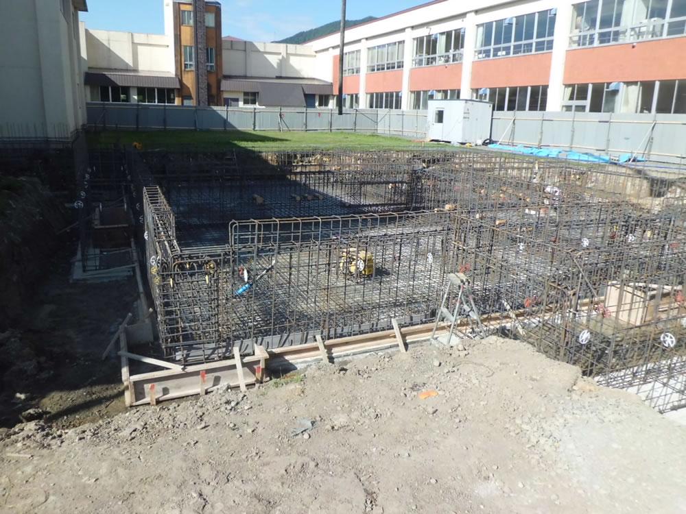 日高小学校給食関連新築建築主体工事