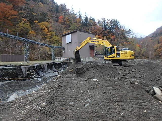 奥沙流発電所 発電所管理用道路仮復旧(ウエンザル本流林道)