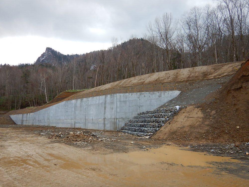 平成28年災第6次第823号町道千呂露川沿線道路災害復旧工事