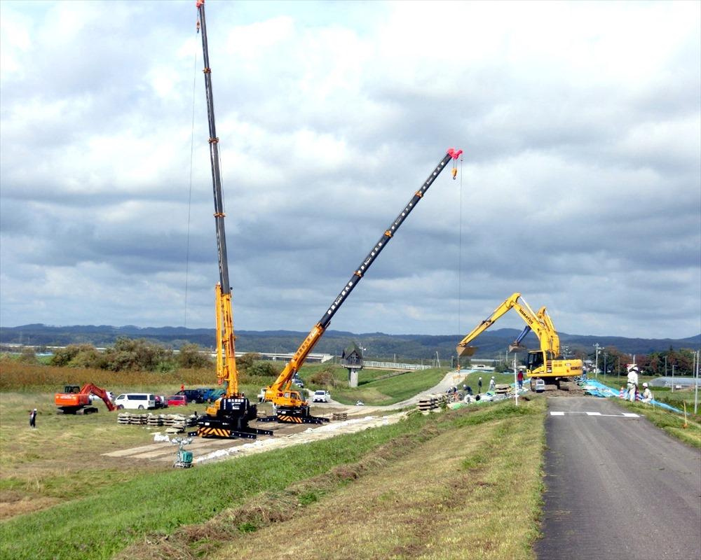 鵡川河口左岸築堤緊急復旧工事