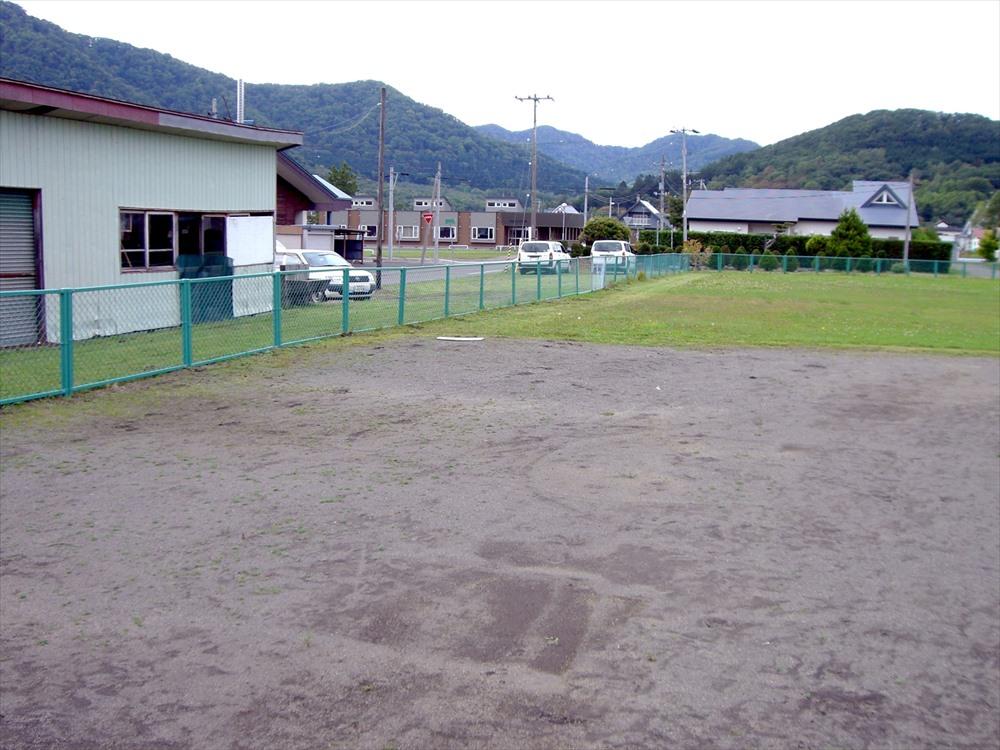 日高町営球場フェンス修繕実施